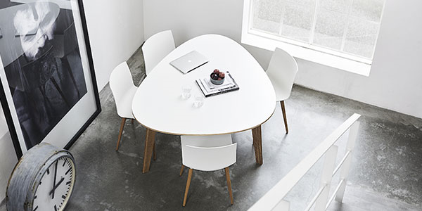 T8 Mødebord / WE Table